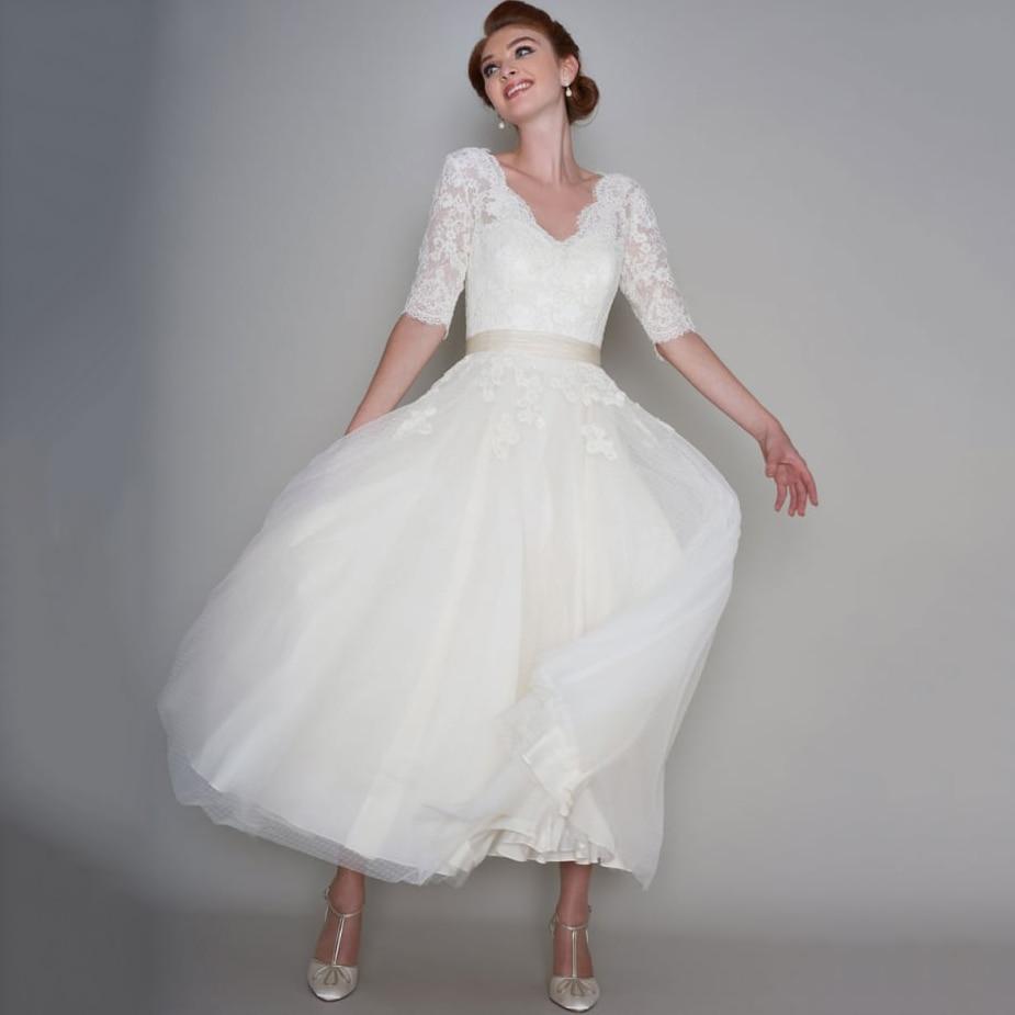 Vintage 1950s Tea Length Wedding Dress Custom Made Lace Appliques Half Sleeve Short Bridal Gown