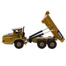 HUINA 1712 1:50 Die-Cast Alloy Articulated Dump Truck Engineering Truck Static Model Caterpillar Wheel Kids Educational Toy cat caterpillar ct660 dump truck yellow 1 50 model by diecast masters 85290
