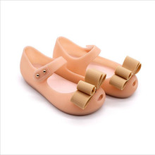 Mini Melissa 2019 Hot New style Baby Girl Shoes Christmas Shoes Gift PVC Summer Sandals Girl Bow Design Three Colors