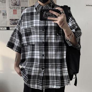 цена Cotton Plaid Shirt Men's Fashion Retro Casual Shirt Men Streetwear Wild Loose Short Sleeve Shirt Summer Korean Shirt Mens онлайн в 2017 году