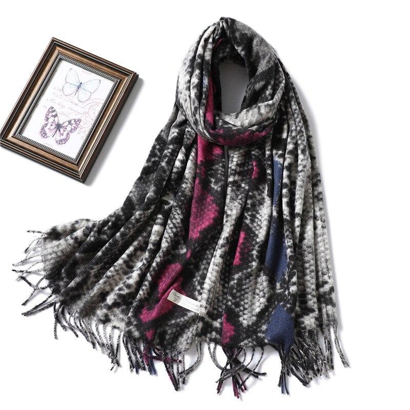 Winter Scarf For Women Luxury Snake Print Cashmere Pashmina Scarves Lady Soft Warm Shawls Warps Tassel Blanket Bufandas Scarfs