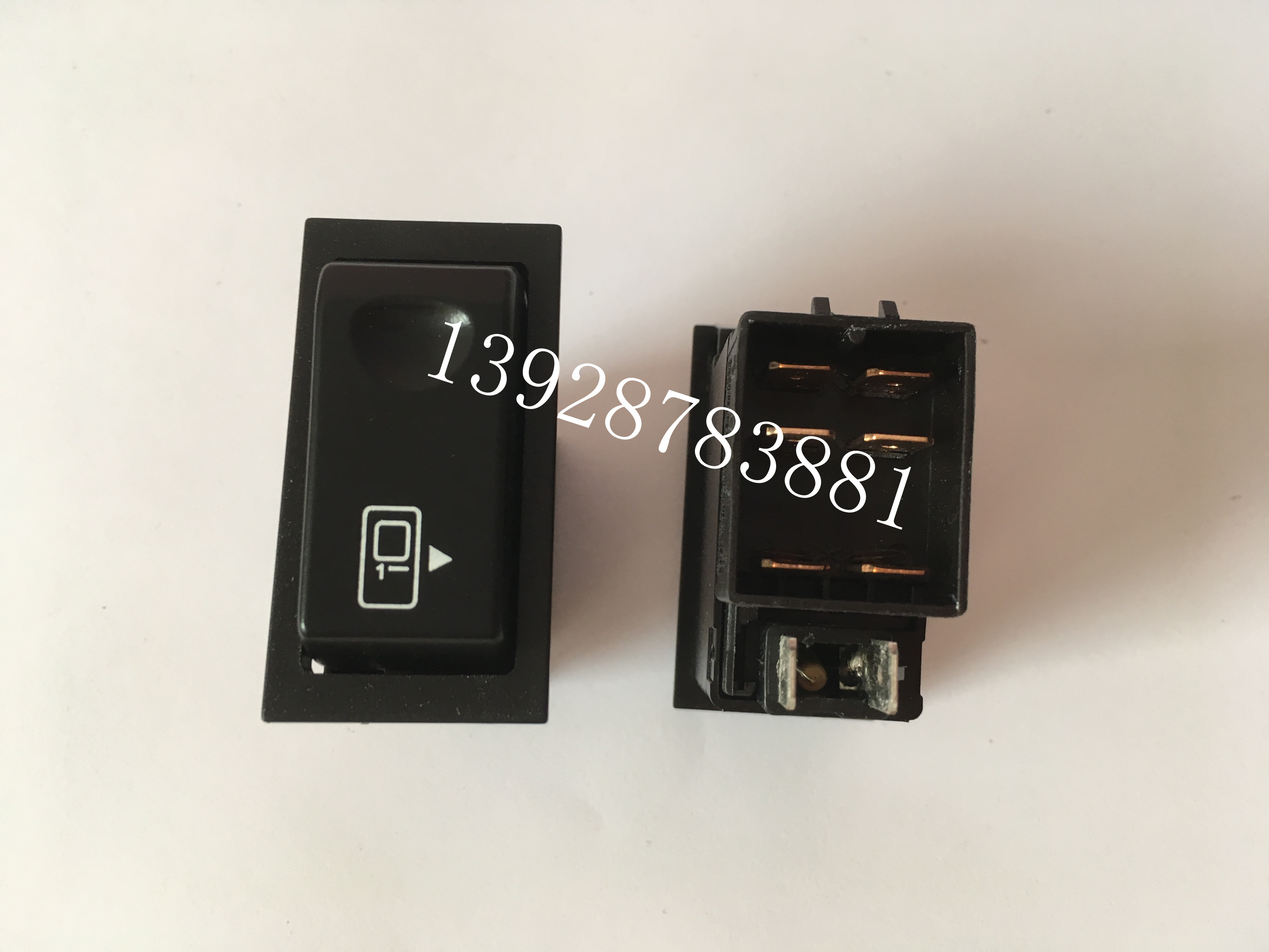 2pcs Higer Bus Rocker Switch Old Square Passenger Door Rocker Switch Dashboard Switch Free Shipping