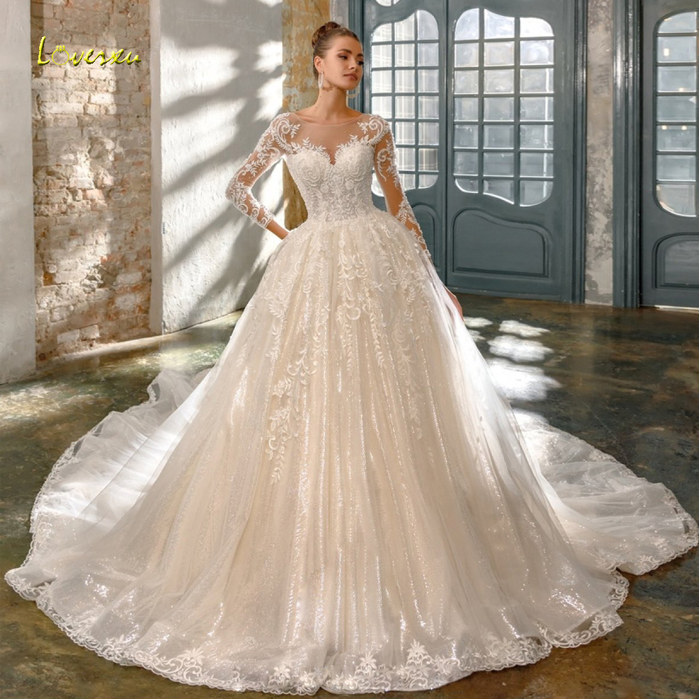 Loverxu Sexy Backless Long Sleeve Lace Princess Wedding Dresses 2019 Luxury Appliques Beaded Chapel Train Vintage Bridal Gowns