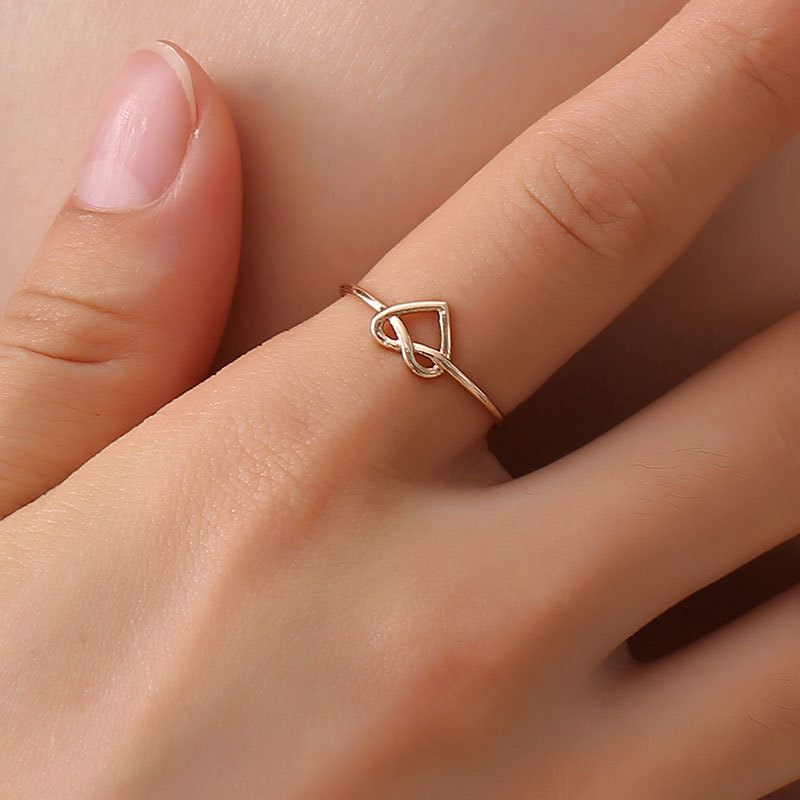 Kpop New Knotted Rings for Women Simple Hollow Heart-shaped Opening Adjustable Peach Heart Fashion Nuckle Ring