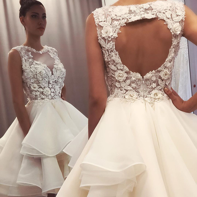 2021 New Lovely Short Lace Sleeveless Bridal Wedding Dresses Knee Length Illusion O Neck Wedding Gowns for Bride Cut Out Back 1