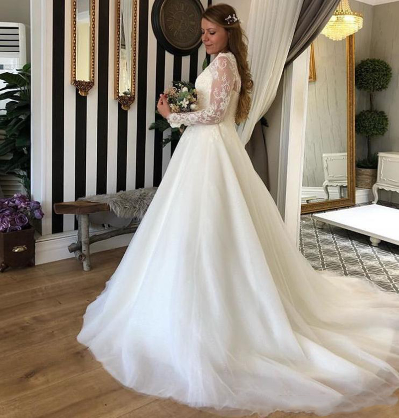 Romantic Long Sleeves A Line Wedding Dresses With Appliques Scoop Sweep Train Tulle Customize Wedding Bridal Gowns
