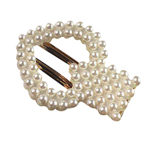 Pearls Decorated Hair Clips