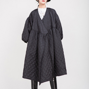 Image 3 - [EAM]  V collar Black Bandage Cotton padded Coat Lantern Sleeve Loose Fit Women Parkas Fashion Tide New Spring Autumn 2020 1D700