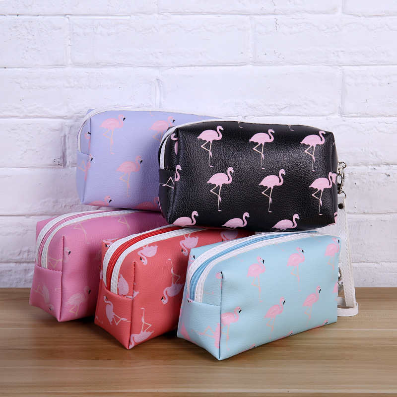 2019 Flamingo Women Travel Cosmetic Bag Makeup Bags Handbag Female Zipper Purse Small Make Up Bags Travel Beauty Organizer Pouch in Cosmetic Bags Cases from Luggage Bags