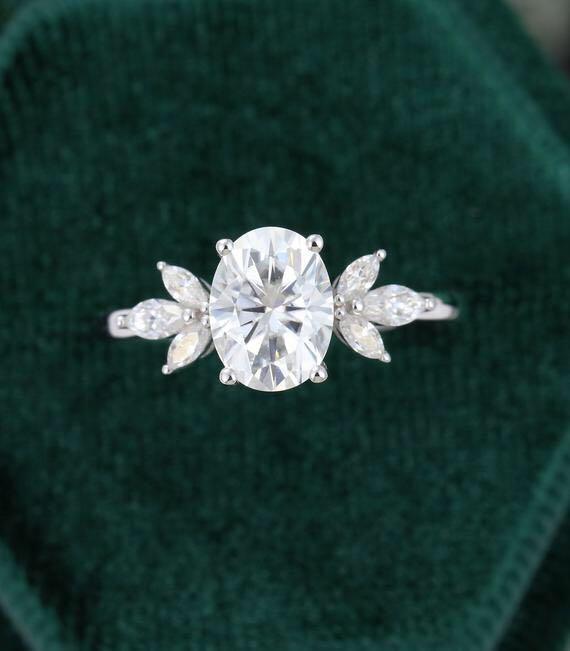Starsgem bijou fantaisie 14K or blanc DEF 7*10mm ovale coupe VVS moissanite anneau avec 2*4mm et 2.5*5mm marquise coupe DEF côté pierre
