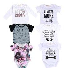 Одежда для маленьких мальчиков и девочек Вечерние боди с надписью «папа, тетя» и надписью «Siblings» Для малышей комбинезон с короткими рукавами для малышей от 0 до 18 месяцев