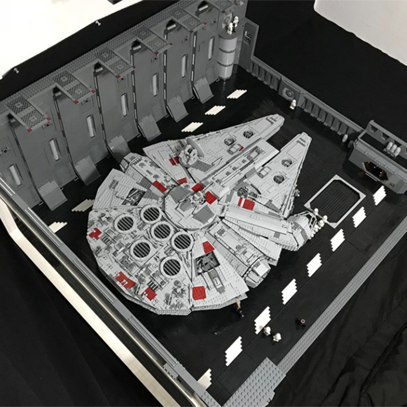 NEW MOC Star Wars Escape from Docking Bay 327 Hanger Scale UCS falcon fit starwars technic figures for 05132 75192 kid(China)