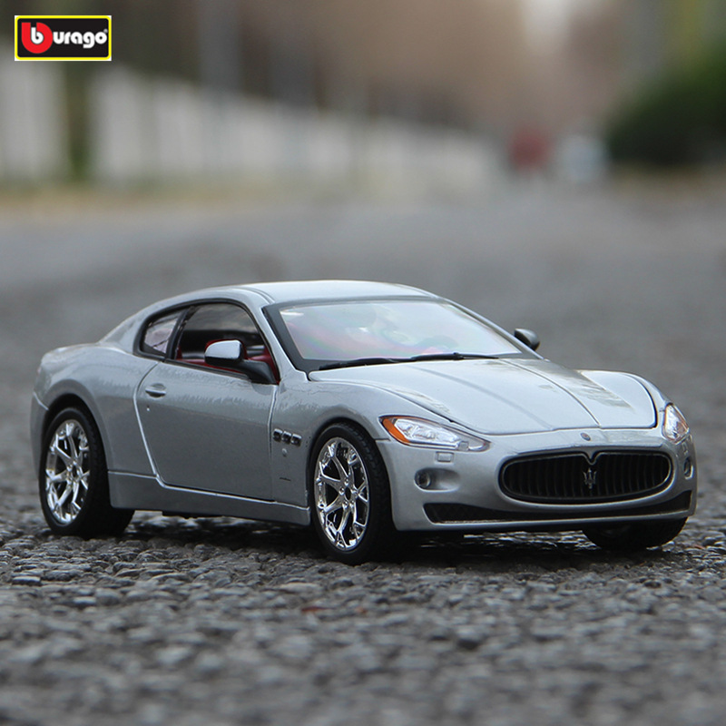 Bburago 1:24 Maserati President GT Die Casting Model Car Alloy Car Model Simulation Car Decoration Collection Gift Toy