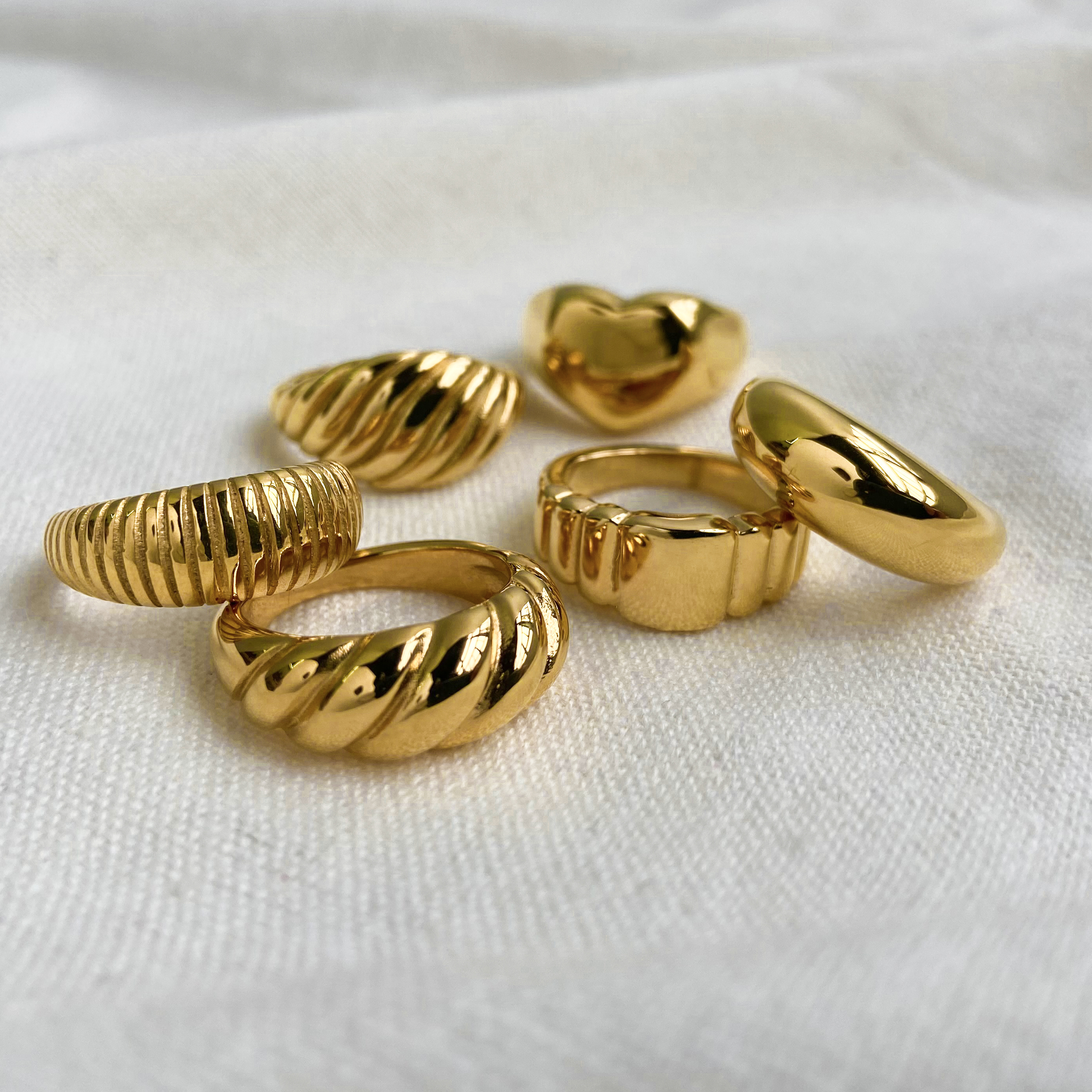 Gold Color Twisted Croissant Rings For Women Heart shape Minimalist Chunky Rings Vintage Stacking Band Jewelry