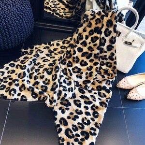 Image 3 - Modny wzór w cętki Pashmina szal kaszmirowy gorąca sprzedaż szalik dla kobiet klasyczny wzór Poncho Wrap zimowy miękki ciepły szalik