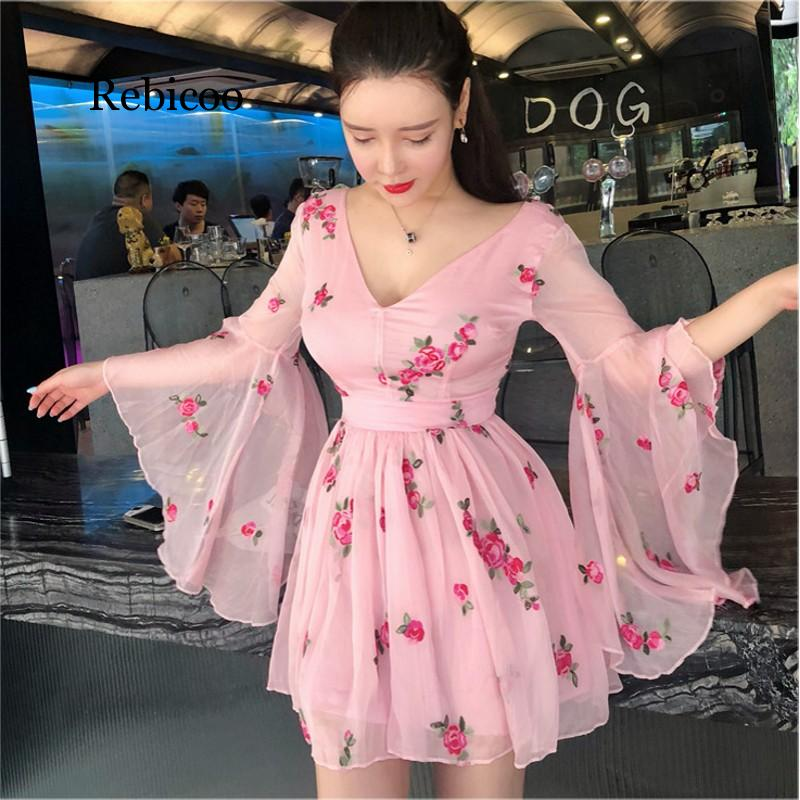 New Summer Vintage Bandage Flowers Embroidery Dress Women Pink Long Flare Sleeve V-Neck Dress Vintage Sexy Party Dresses