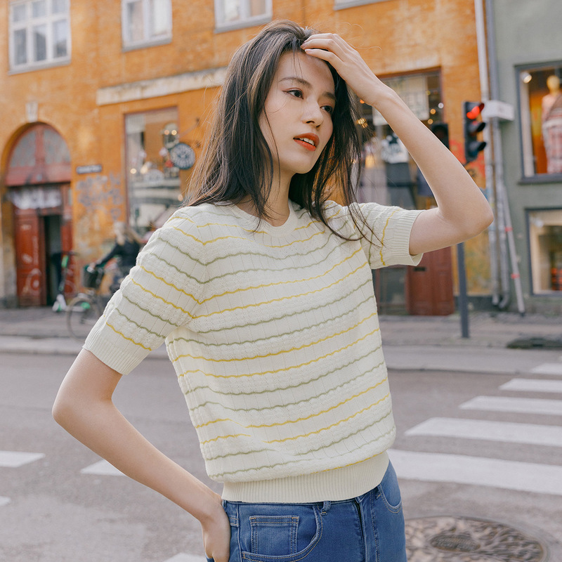 Image 4 - INMAN 2020 Spring New Arrival Literary Round Collar Colors Jacquard Weave Stripe Loose Pullover Short Sleeve KnitwearPullovers   -