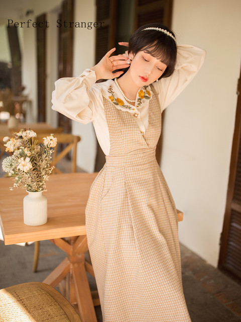 2020 Autumn Winter  New Arrival Hot Sale V Collar Long Sleeve Women Long Dress 4
