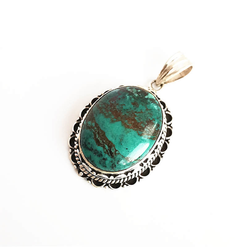 Handmade by artisans from Nepal. SUNITA TURQUESA PULSERA \u2013 Metal bracelet and stones tinted in turquoise with mantra