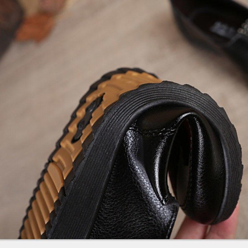Женская Весенняя обувь; коллекция 2020 года; Модные женские лоферы с бантом; Повседневная кожаная женская обувь черного цвета на плоской подо...