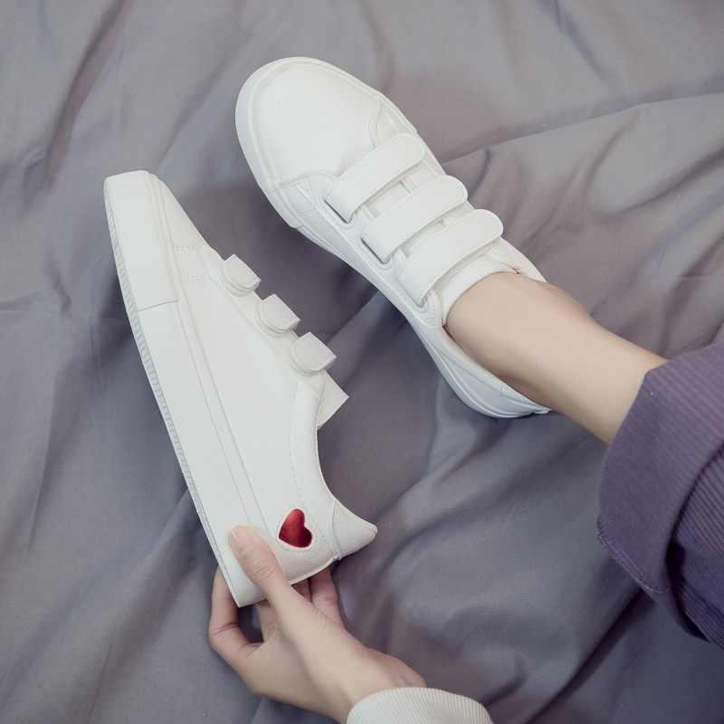 امرأة أحذية من الجلد 2019 ربيع جديد أحذية نسائية موضة عادية عالية منصة بولي Leather جلد القلب المرأة حذاء أبيض غير رسمي أحذية رياضية