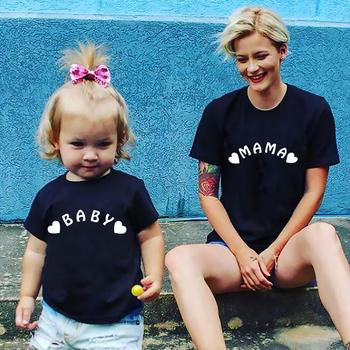 Moda rodzina pasujące ubrania mama i ja T Shirt matka i córka ubrania rodzinne dla mamy i córki matka i ja sukienka tanie i dobre opinie Gourd doll Koszulki Na co dzień Krótki Pasuje prawda na wymiar weź swój normalny rozmiar Bawełna organiczna Drukuj