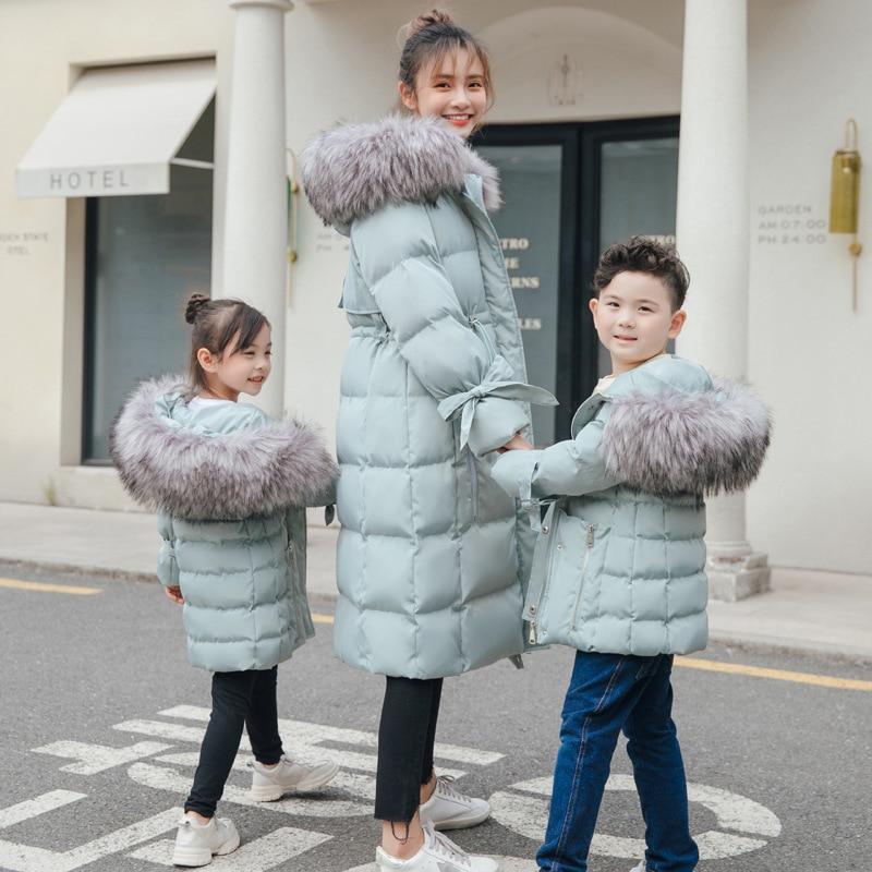 WLG/зимние Семейные комплекты; парки для мамы и дочки и сына; плотные Длинные теплые парки с капюшоном