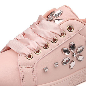 Image 4 - Zapatillas de deporte de moda para mujer, zapatos planos con diamantes de imitación, informales, suaves, de marca, rosa, negro, blanco, ZH2656, 2020