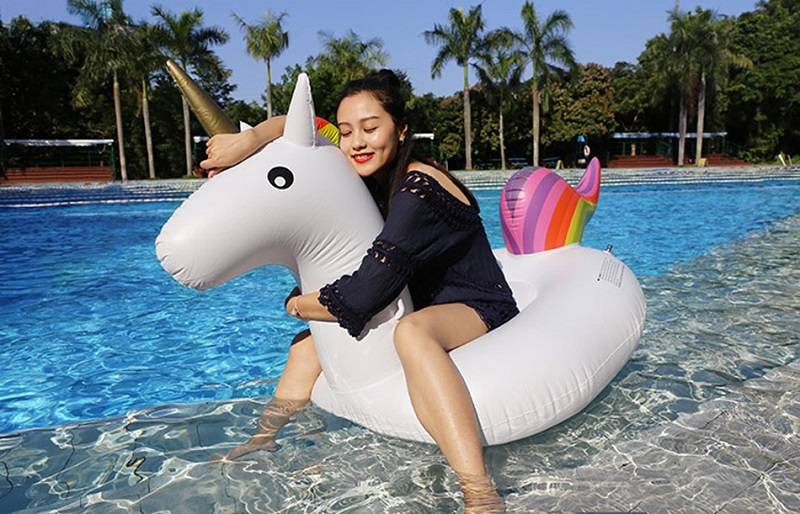200CM-Inflatable-Unicorn-Pool-Float-Swimming-Ring-Inflatable-Pool-Toys-Giant-Unicorn-Float-Boia-Piscina-Pool