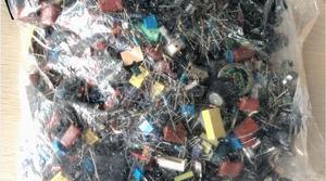 Image 3 - Paquete de componentes electrónicos variados de 500g, cristal oscilador, transistor, chip de transformador, condensador electrolítico CBB