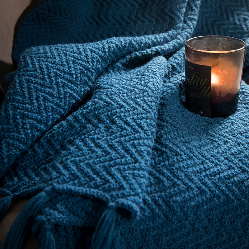 Knitted Tassel Couch Throw