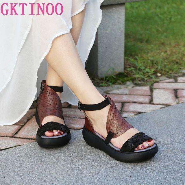 GKTINOO المرأة الصيف الصنادل جلد طبيعي اليدوية السيدات أحذية 2020 الصيف سميكة وحيد النساء الصنادل الرجعية مشبك الأحذية