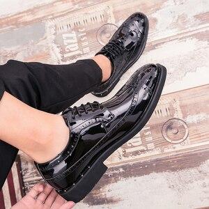 Image 4 - Брендовые Мужские модельные туфли; Золотые блестящие мужские официальные туфли; Мокасины; Итальянская кожа; Роскошные модные свадебные туфли оксфорды; Мужская обувь; 46