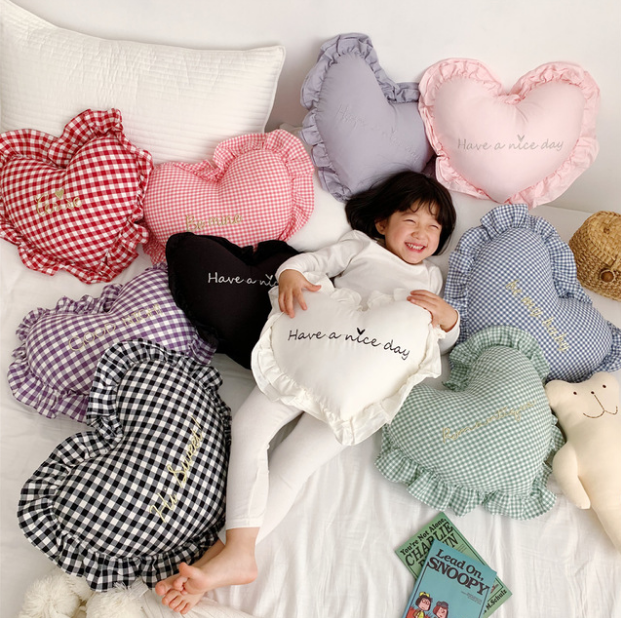 Baby Pillow Baby Room Decoration 100% Cotton With Filler Heart Pillow For Cot Baby Bedding Accessory Kids Nursing Pillow Soft