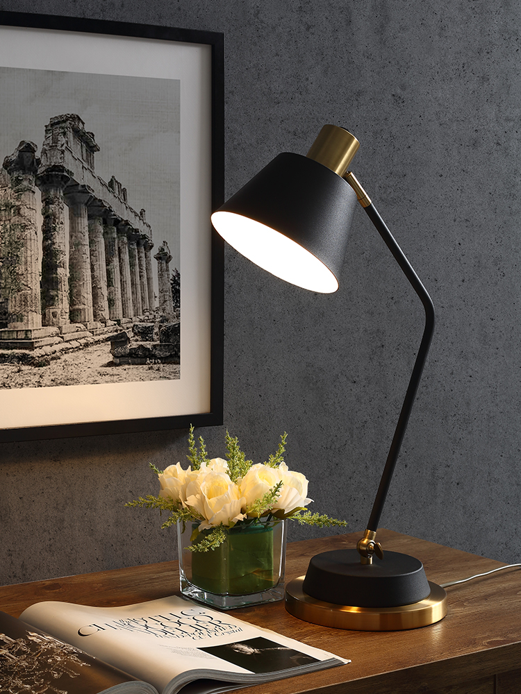 Современный светодиодный Настольный светильник, вертикальный, золотой/черный, стабильный, вертикальный, вертикальный, светильник для