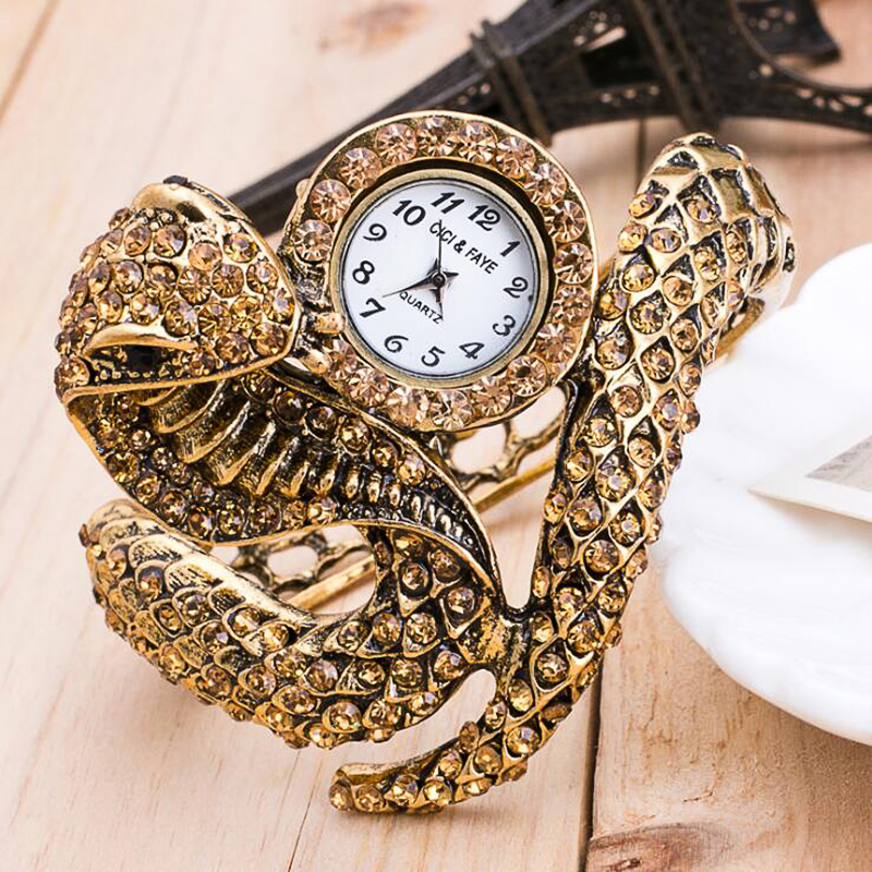 2019 New Style Snake Shaped Watch Fashion Watch Bracelet Watch Unique Design Women Dress Watches Girl Relogio Feminino
