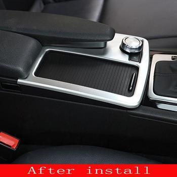 Garniture de décoration de panneau de support de verre d'eau d'autocollant d'acier inoxydable d'intérieur de style de voiture pour la classe C W204 LHD 2008-2014