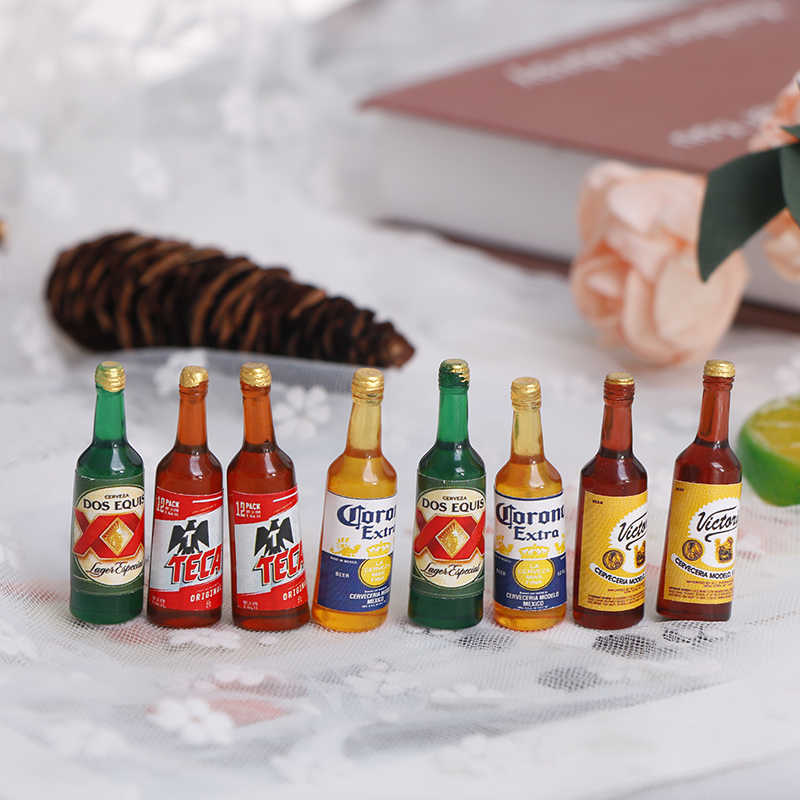 2pcs Bottles Beer Drinking Miniature DollHouse 1:12 Toy Accessory Collection