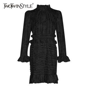 Image 1 - TWOTWINSTYLE 패치 워크 프릴 인쇄 Ruched 여자의 드레스 스탠드 칼라 퍼프 슬리브 높은 허리 드레스 여성 패션 의류