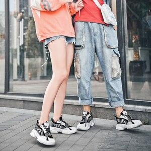 Image 2 - 2020 رائجة البيع حذاء كاجوال نساء موضة أحذية رياضية الذكور تنفس الرياضة أحذية النساء الربيع الرجال شبكة أحذية Zapatos De Mujer