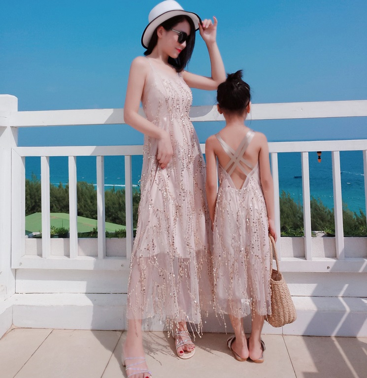 Sequin Mesh Mother Daughter Dresses Mommy And Me Matching Clothes Family Look Women Girls Mom Mum And Baby Long Dress Clothing