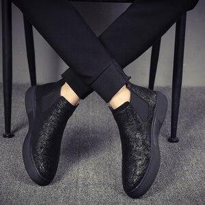 Image 1 - Di modo degli uomini traspirante chelsea scarpe stivali in pelle morbida appartamenti della caviglia della piattaforma botines hombre del progettista di marca bota masculina maschio