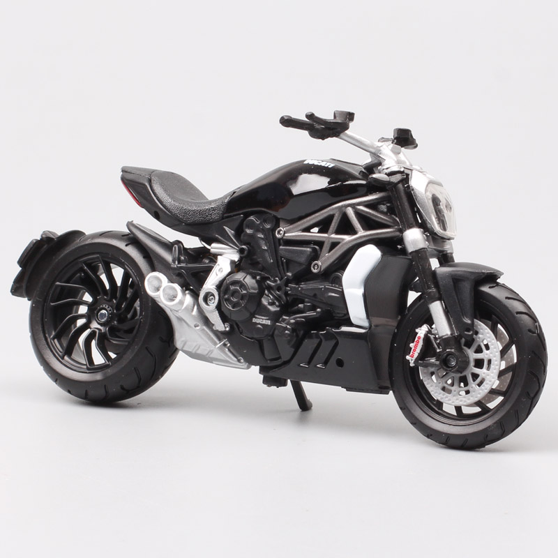 1/18 Scale Bburago 2016 Ducati Xdiavel S Cruiser Motorcycle Diavel Bike Diecast Model Toys Miniature Racing Kids For Collection