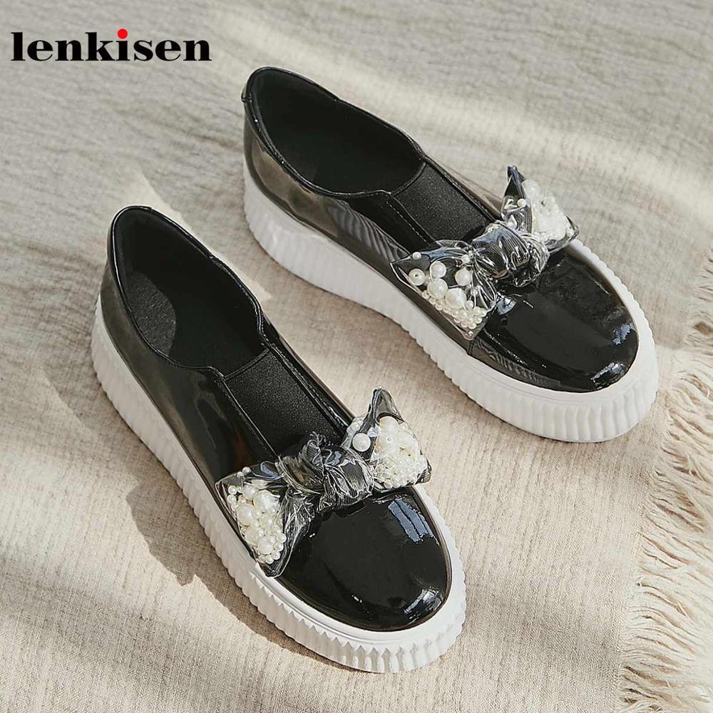 Lenkisen/белые кроссовки с жемчугом и бантом; обувь из натуральной кожи с круглым носком на высоком толстом каблуке без застежки; сезон осень; об