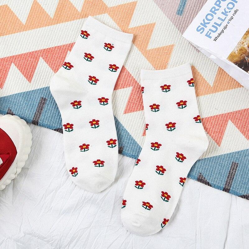 Japanese Tide Socks Cotton Mid Tube Girl Socks Covered With Small Flower Socks Student Women Socks