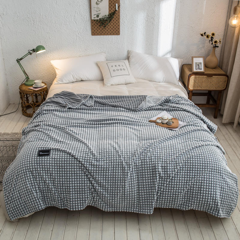 Bonenjoy Plaid for Beds Coral Fleece Blankets Gray Color Plaids Single/Queen/King Flannel Bedspreads Soft Warm Blankets for Bed-2