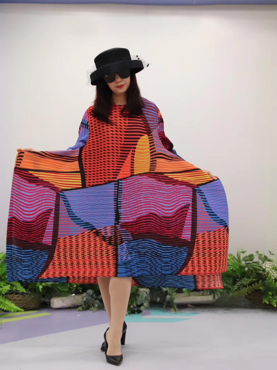 HOT SELLING Miyake Fold fashion stripe print o neck Nine points sleeve big A Line dress IN STOCK - 6