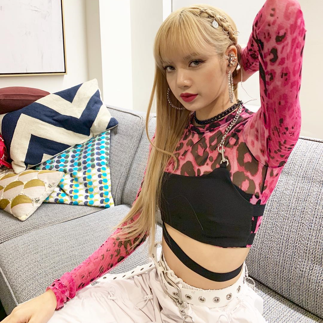 Kpop BLACKPINK LISA Jazz Dance Hip Hop Pink Long Sleeve O-neck Short T Shirt+black Sexy Sling Vest Tops Women Two Piece Outfits