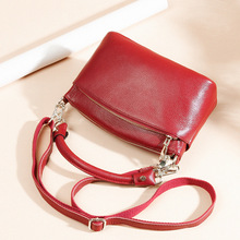 цена на The New Women's Leather Bags Female Cowhide Leather Single-Shoulder Bag Messenger Fashion Mother