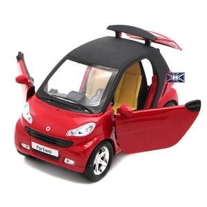 Image 4 - 1:32 skala inteligentny ładny Model odlewu samochodzik z funkcją wycofania oświetlenie do zastosowań muzycznych otwierane drzwi dla dzieci jako prezent darmowa wysyłka